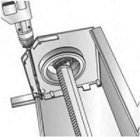 Просверлить отверстия для вывода кардана, ленты, шнура, корда или провода электропривода